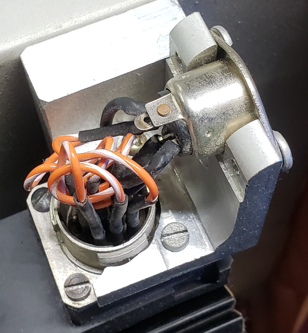 mcmaster:klinger:ut100:improvised_connector.jpg